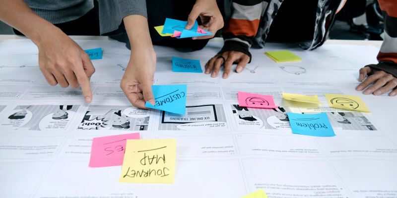 customer-journey-people-planning-ideation